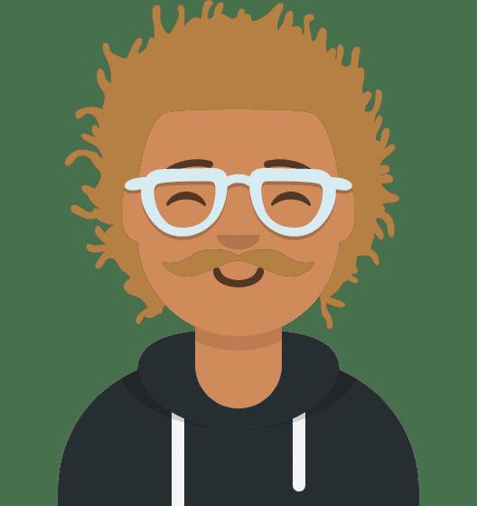 Comiczeichnung Mann mit wuscheligen blonden Haaren, Brille, Schnurrbart, freundlichen Lächeln, blauer Kapuzenpulli