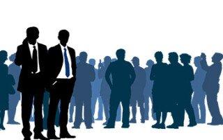 Illustration einer Menschenmenge mit Geschäftsleuten im Vordergrund